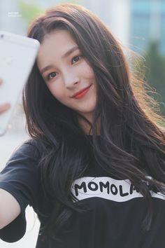 Prettiest Maknae: Twice Tzuyu or Momoland Nancy? Nancy Momoland, Nancy Jewel Mcdonie, Stylish Girls Photos, Girl Photos, Cute Girl Pic, Cute Girls, Kpop Girl Groups, Kpop Girls, Asian Woman