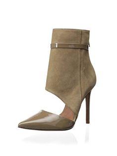 Schutz Women s Georgeane Ankle Strap Pump (Yucca) Hot Shoes c87708e22bbf