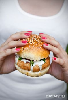 Salmon Burger with mayo, yogurt, dill & horseradish
