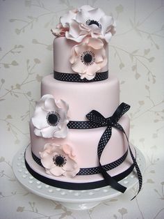 Pink & Peach Anemone Cake by Smithy Claire Gorgeous Cakes, Pretty Cakes, Cute Cakes, Amazing Cakes, Fondant Cakes, Cupcake Cakes, Peach Cake, Engagement Cakes, Fancy Cakes
