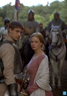 The White Queen -New Edward in town! The White Queen had to rep in. Love the expression on Max Irons face Philippa Gregory, The White Queen Starz, Little Dorrit, Elizabeth Woodville, The White Princess, Rebecca Ferguson, Wars Of The Roses, Movies Showing, Favorite Tv Shows