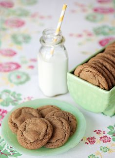 Meadowbrook Farm: molasses cookies