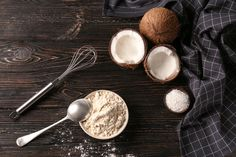 Warum sollten Kokosmehl und Kokosöl Platz in deiner Küchen finden? #eatclean #lowcarb # glutenfree #dietaryfibre #baking #cooking