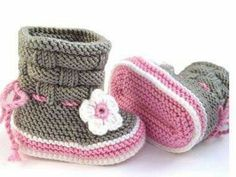 Baby Shoes Baby Shoes - Baby Sneakers from Maschenlädchen Knit Baby Dress, Knit Baby Booties, Knitted Baby Clothes, Crochet Baby Shoes, Baby Knitting Patterns, Hand Knitting, Crochet Patterns, Crochet Patron, Knit Or Crochet