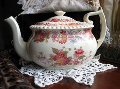 I would love to have this teapot. I love this pattern and it's hard to find.  Copeland Spode Aster Teapot