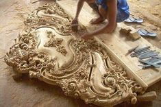 Wood Carving Ideas For a Rustic Home Decor – Design and Decor Wood Carving Designs, Wooden Art, Wood Design, Furniture Design, Wood Furniture, Carved Wood, Hand Carved, Woodcarving, Random Pictures