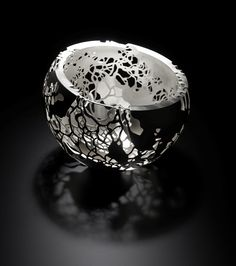 Alex Ramsay – Contemporary Silversmith. Designs are inspired by ethereal shadows, shapes and patterns found in nature...