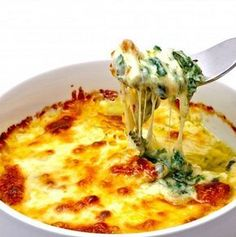 Baked Spinach and Cheese Casserole (Naturally Gluten Free) Vegetable Recipes, Vegetarian Recipes, Healthy Recipes, Healthy Facts, Easy Recipes, Menu Vegetariano, Healthy Cooking, Cooking Recipes, Spinach And Cheese