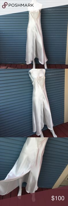 VINTAGE VALENTINO- Beautiful white intimate slip VINTAGE VALENTINO- Beautiful white intimate slip with one red dot on the inner arm pit of the left arm Valentino Intimates & Sleepwear Chemises & Slips
