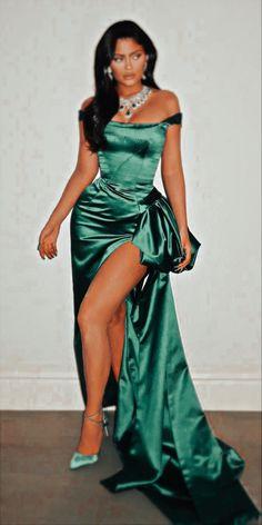 Kylie Jenner, Legs, Formal, Dresses, Style, Fashion, Girls, Preppy, Vestidos