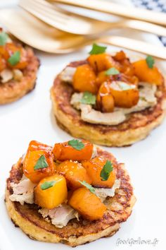 French toast with foie gras and mango with lime and coconut pulp vinegar - Shell Whetnell Bento Recipes, Healthy Crockpot Recipes, Healthy Breakfast Recipes, Cooking Recipes, Thanksgiving Appetizers, Dessert, Appetizer Recipes, Brunch Appetizers, Finger Foods
