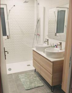 Bathroom vanities 564146290816373336 - Salle de bain Source by forumconstruire Bathroom Shelves Over Toilet, Rustic Bathroom Shelves, Bathroom Mirror Cabinet, Small Bathroom Storage, Mirror Cabinets, Rustic Bathrooms, Modern Bathroom, Vanity Bathroom, Vanity Cabinet