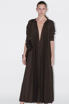 e7b1e2665e71e Celine Fall 2018 Ready-to-Wear Fashion Show