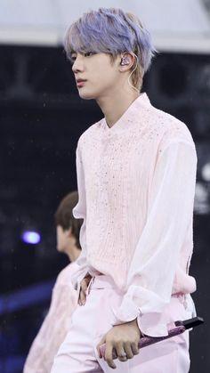 """seokjin looks like a disney prince with purple hair; a thread"" Seokjin, Hoseok, Foto Bts, K Pop, Bts Lockscreen, Worldwide Handsome, Bts Pictures, Bts Jin, Jonghyun"