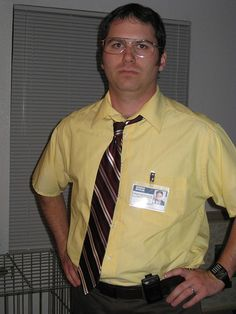 dwight k. Halloween 2013, Cool Halloween Costumes, Halloween Party, Halloween Ideas, Dwight Shrute Costume, Dwight Schrute, The Office, Business Casual, Cosplay Costumes