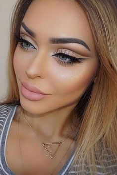 Gorgeous Makeup: Tips and Tricks With Eye Makeup and Eyeshadow – Makeup Design Ideas Eye Makeup Tips, Smokey Eye Makeup, Makeup Hacks, Makeup Goals, Makeup Inspo, Makeup Inspiration, Face Makeup, Makeup Ideas, Makeup Tutorials