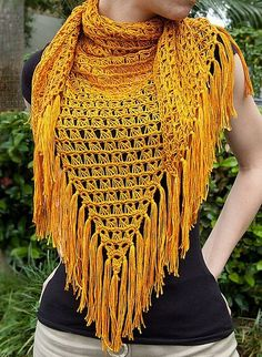 Broomstick lace is part knitting, part crochet & all fantastic! In this project, we look at some of Jennifer Hansen's broomstick lace work. Broomstick Lace Crochet, Poncho Au Crochet, Crochet Shawls And Wraps, Crochet Scarves, Crochet Clothes, Crochet Stitches, Crochet Hooks, Crochet Lace, Lace Shawls