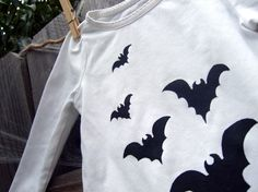 Gone Batty Halloween Tee Girls Size 24M with black bats