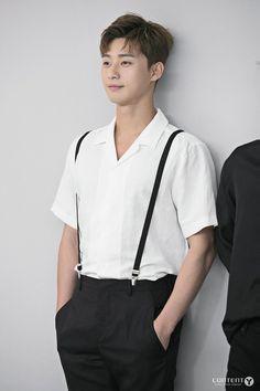 Korean Fashion – Designer Fashion Tips Oppa Gangnam Style, Park Seo Joon, Handsome Korean Actors, Korean Fashion Men, Emo Fashion, Big Bang Top, Gu Family Books, Kdrama Actors, Pretty Men