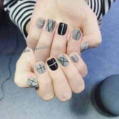 ideas fails art designs easy gel for 2019 Romantic Nails, Elegant Nails, Stylish Nails, Plaid Nails, Swag Nails, Tape Nail Art, Lines On Nails, Geometric Nail Art, Minimalist Nails