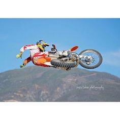 Suicide whip by cowboy Kenny #MX #motocross #tricks