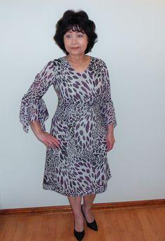 A V-neck Chiffon dress with hanky sleeve. Great for Spring/Summer. Chiffon Dress, I Dress, Animal Print Dresses, Runway Fashion, Designer Dresses, High Neck Dress, Spring Summer, Dresses With Sleeves, Summer Dresses