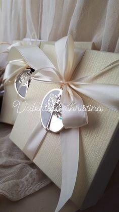 Πρωτότυπες μπομπονιέρες γάμου μεταλλικό δέντρο της ζωής κόσμημα πάνω σε κουτί!καλέστε 2105157506 Wedding Stuff, Wedding Gifts, General Crafts, Favors, Wedding Inspiration, Gift Wrapping, Weddings, 15 Years, Party