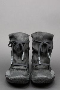 Post-apocalypse clothing / fashion / post-apocalyptic wear / dystopian / footwear / shoes /footgear / looks / style / unisex Sock Shoes, Men's Shoes, Shoe Boots, Shoe Bag, Footwear Shoes, Dark Fashion, Fashion Shoes, Mens Fashion, Fashion Outfits