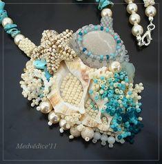Czech bead artist Lenka Cosentino