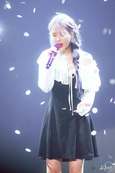 191103 IU at 'Love Poem' concert in Gwangju. Lindsay Lohan, Nicholas Kirkwood, Sulli, Iu Fashion, Victoria, Chinese Actress, Love Poems, K Idols, Korean Singer