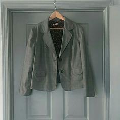 Black and White Cute Blazer Black and White pattern blazer. Good condition. Work wear. Jackets & Coats Blazers