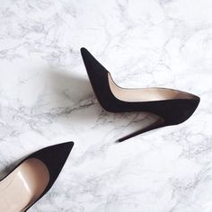 Style Spacez: 18 Cheap Heels and Sandals You Must Try Black Stiletto Heels, High Heels, Shoes Heels, Black Stilettos, Black Pointed Heels, Work Heels, Rachel Duncan, Moda Outfits, Gone Girl