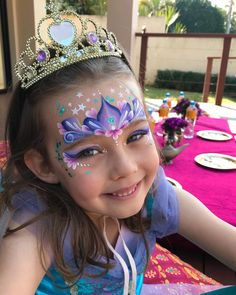 They all wanted the same as the birthday girl, so I changed them slightly for a bit of individuality ✨ Happy birthday Sunshine ☀️ . Princess Face Painting, Girl Face Painting, Painting For Kids, Body Painting Pictures, Face Painting Tutorials, Face Painting Designs, Birthday Design, Girl Birthday, The Face