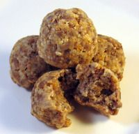 homemade dog treat recipes http://www.dogtreatkitchen.com/homemade-dog-treat-recipes-meatball.html