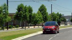 Citroën C4 Picasso to samochód  przyjazny środowisku. Nasza hybrydowa mikro-technologia e-HDi łączy się z silnikiem HDi wykorzystując Stop system w celu ograniczenia spalania paliwa, emisji gazów CO2 jak również odzyskiwanie energii podczas hamowania. http://www.citroen.pl/home/#/citroen-c4/poziomy-wyposazenia/pop/comparator/