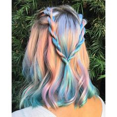 Try a holographic hair color and give tour persona a complete change. Coloured Hair, Dye My Hair, Cool Hair Color, Amazing Hair Color, Vivid Hair Color, Opal Color, Crazy Hair, Gorgeous Hair, Pretty Hairstyles