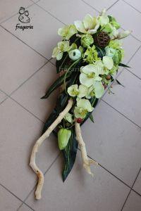 Seledyn w brzozowej korze – Fragaria Grave Decorations, Flower Decorations, Funeral Flowers, Black Flowers, Ikebana, Topiary, Floral Arrangements, Floral Design, Bouquet