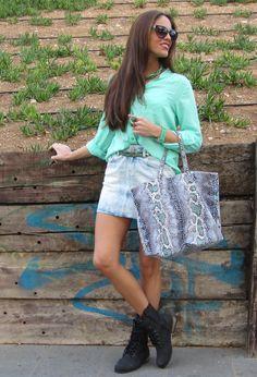 Verde Pastel  #fashion #style #outfit  #look , Uterqüe en Gafas / Gafas de sol, Juanaiyo en Otras joyas / Bisutería, Primark en Camisas / Blusas, Zara en Faldas, Mango en Bolsos, Primark en Botines