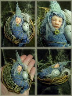 Fairy nursery...blue egg......Rosa Grueso