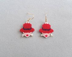Red hat lady with earrings Seed Bead Jewelry, Seed Bead Earrings, Beaded Earrings, Beaded Jewelry, Crochet Earrings, Beaded Bracelets, Jewelry Patterns, Beading Patterns, Red Hat Ladies