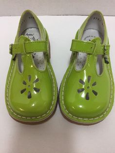 3e79b5beb43d Aster Girls Green T-strap Shoes Made in France Toddler Girls New  Aster