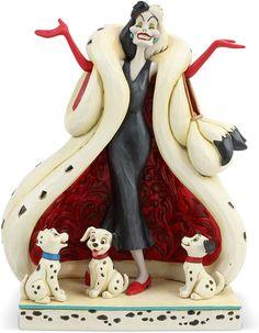 Halloween Outfits, Halloween Costumes, 101 Dalmatians Cruella, Cruella Costume, Disney Villains, Disney Characters, Cruella Deville, Disney Traditions, Lady And The Tramp