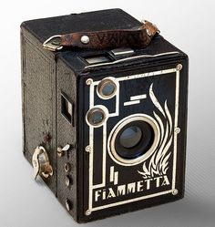 IW_Fotocamera_Fiammetta_02  The Fiammetta is a splendid, black parallelepiped that is perfect for catching clouds.