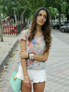 #floral #shirt #lace #shorts #pastel #sandals #shoes #zara #clutch #bag #aquamarine #summer #street #streetstyle