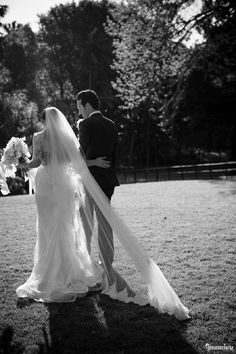 Tanya and Nathan's beautiful Vaucluse House Wedding with a garden ceremony and bridal party photos around the property. Then a wedding reception at the MCA!