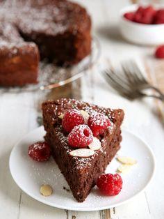 Flourless Chocolate Almond Cake | completelydelicious.com