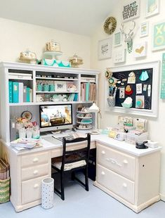 Best craft room storage and organization furniture ideas 00013 Craft Room Design, Craft Room Decor, Craft Desk, Craft Room Storage, Storage Ideas, Craft Rooms, Storage Shelving, Laundry Storage, Bedroom Storage
