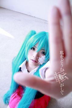 Cosplay from the Vocaloid song Rolling Girl #Hatsue Miku #vocaloid #cosplay 初音ミク ボーカロイド コス
