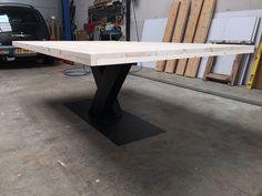 Mat zwarte V-poot + steigerhout tafelblad 220x135cm