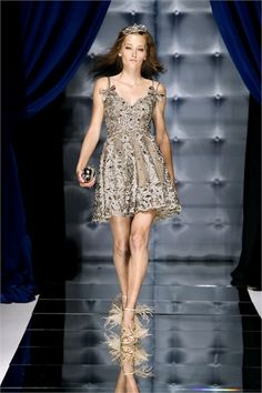 Sfilata Zuhair Murad Paris -  Alta Moda Autunno Inverno 2010/2011 - Vogue